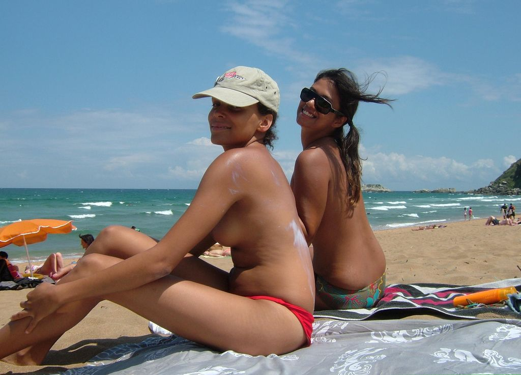 naked girls european beach